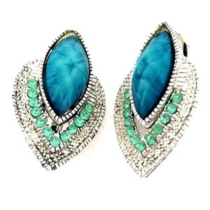 Gorgeous Vintage Clip On Earrings Torquise Aqua